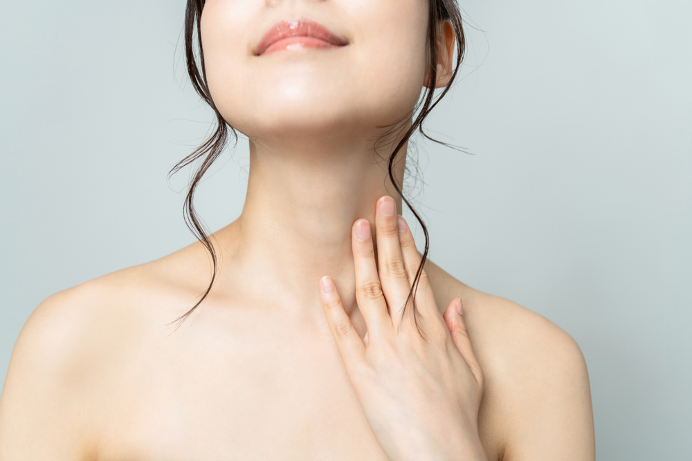 綺麗な首のラインを出すために、筋肉と関節の可動域を広げよう