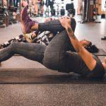 下半身トレーニングをする女性