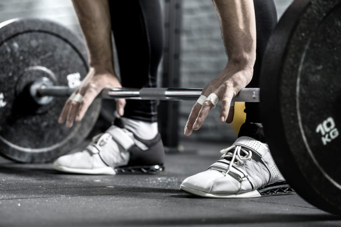 定期的な筋力トレーニングを入れる
